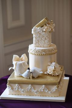 Photography: Jaclyn Simpson   Cake: Amy Beck Cake Design: