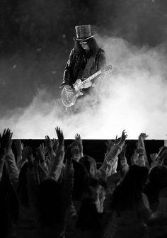 Slash - Guns 'n' Roses I saw you once, I'll meet you the second time Slash, Guns N Roses, Hard Rock, Richard Fortus, Saul Hudson, Digital Foto, Velvet Revolver, Best Guitarist, Axl Rose