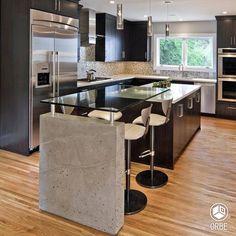 Cocina de estilo moderno. Todo disponible con Orbe estudio de arquitectura y diseño. facebook.com/ORBEARQ