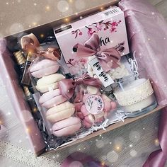 New Pic DIY pretty Decor Cookies Box DIY pretty Decor Cookies B. Strategies Expert gifts are usually gifts which might be directed at all people about birthdays, wedding Cute Birthday Gift, Birthday Gift Baskets, Diy Gift Baskets, Birthday Box, Cookies Box, Cookies Et Biscuits, Cute Gifts, Diy Gifts, Bouquet Cadeau