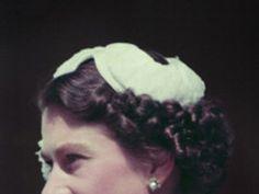 Wann trug die Queen welchen Hut?