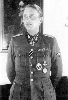 """✠ Søren Kam (2 November 1921 - 23 March 2015) RK 07.02.1945 SS-Untersturmführer Führer 1./SS-Pz.Gren.Rgt 9 """"Germania"""" 5. SS-Panzer-Division """"Wiking"""""""