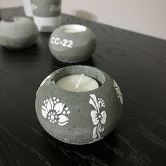Concrate candle holder