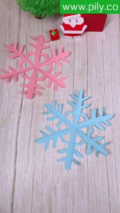 Cool Paper Crafts, Paper Flowers Craft, Christmas Paper Crafts, Paper Crafts Origami, Flower Crafts, Holiday Crafts, Diy Crafts For Girls, Diy Crafts Hacks, Home Crafts