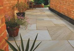Pavestone Fossil are an attractive Indian sandstone paving slab with lovely light tones from white to mid buff. Small Patio Spaces, Patio Slabs, Paved Patio, Patio Flooring, Sandstone Paving, Travertine Pavers, Garden Paving, Outdoor Paving, Garden Path