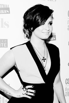 demi lovato being fabulous as usual ♥