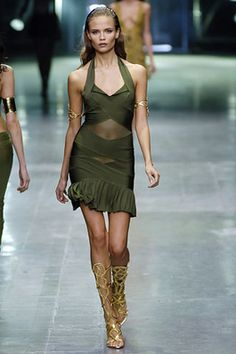 Alexander McQueen Spring 2006 Ready-to-Wear Fashion Show: Complete Collection - Style.com