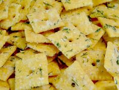 Dilly-Ranch Cheez Its - the PERFECT Party snack! Fresh dill and Ranch coat the always delicious Cheez It! Easy enough for your kids to make for a great teacher gift! Great for a holiday party snack bowl &, of course, Super Bowl parties! Yummy Appetizers, Appetizers For Party, Appetizer Recipes, Snack Recipes, Cooking Recipes, Dill Recipes, Tailgating Recipes, Cooking Stuff, Savoury Recipes