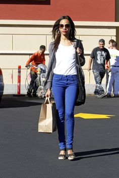Zoe Saldana ...Trendy Fashion... In 2010, Saldana starred in The Losers in which she played Aisha al-Fadhil, for which she was required to gain weight, as she was expected to carry weapons around for eight hours a day.
