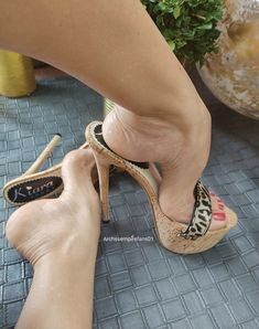 Extreme High Heels, Open Toe High Heels, Sexy High Heels, Feet Soles, Women's Feet, Types Of High Heels, Gorgeous Feet, Beautiful, Killer Heels