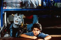 Still of Fred Savage and Howie Mandel in Little Monsters