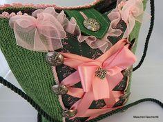 Trendfarben grün-rosa mit verspielten Details Made with Love by MascherlTascherl