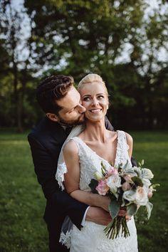 Bright, Wedding Dresses, Fashion, Bride Gowns, Moda, Bridal Gowns, Bride Dresses, Fashion Styles, Weding Dresses
