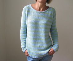 The sky is the limit with this basic, easily customizable piece. It is knit seamlessly from the top-down in a dk weight yarn. While the pattern is… Diy Pullover, Love Knitting, Diy Vetement, Bolero, Dk Weight Yarn, Knit Patterns, Easy Sweater Knitting Patterns, Long Sleeve Sweater, Knitting Projects