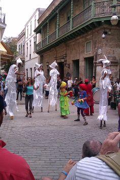 Street performance in Havana