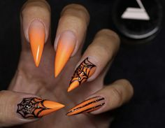 30 Amazing Halloween Makeup Ideas & Nail Arts You Need To Try 30 Beauty Ideas Make You Bootiful On Halloween Party Sugar&Vapor The post 30 Amazing Halloween Makeup Ideas & Nail Arts You Need To Try appeared first on Halloween Nails. Holloween Nails, Cute Halloween Nails, Halloween Acrylic Nails, Fall Acrylic Nails, Halloween Nail Designs, Fall Nail Art, Halloween Party, Pretty Halloween, Halloween Couples