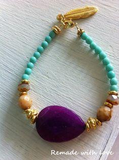 Zelf armbandjes maken? Lees dan deze blog, hierin leg ik uit hoe je kleurrijke armcandy maakt.