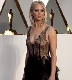 """""""Jennifer Lawrence in Dior @chicandhaute"""""""