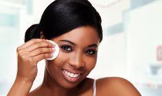 Como escolher a base ideal? Assim como as peles branquinhas, as peles morenas e negras também sofrem com problemas muito específicos que dificultam a vida ...