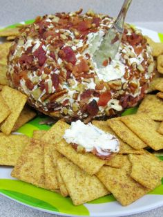 Blue Cheese Ball The Spiffy Cookie Blue Cheese Ball The Spiffy Cookie Cocktail Cheeseballs Bleu Cheese Ball What you ll need Cream nbsp hellip Cheese Ball Cheese Appetizers, Yummy Appetizers, Appetizers For Party, Appetizer Recipes, Snack Recipes, Snacks, Cookbook Recipes, Cooking Recipes, Cheese Ball Recipes