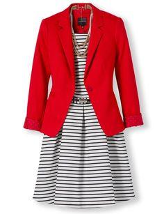 Mais uma opção para usar seu blazer vermelho - por cima de vestido listrado! Complete o look com um cinto de fivela dourada. Procurando um Blazer vermelho? tem aqui - http://buyerandbrand.com.br/mododeusarmoda/?bi=2ovav0k