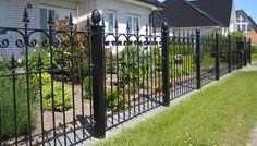 Metalowe ogrodzie nie musi byćnudne! fot. paventgartennow.info