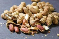 Try this easy recipe for roasted peanuts in the shell for one of the best-tasting simple snacks you've ever had. From MOTHER EARTH NEWS magazine.