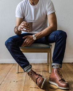 Macho Moda - Blog de Moda Masculina: ESTILO RETRÔ MASCULINO: Como se vestir dentro desse conceito de Visual? Botas Red Wing, Red Wing Boots, Mens Outdoor Fashion, Mens Boots Fashion, Mens Boots Style, Outdoor Men, Moda Blog, Look Street Style, Stylish Mens Outfits