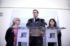 Vasemmistoliiton Aino-Kaisa Pekonen, SDP:n Antti Lindtman ja vihreiden Outi Alanko-Kahiluoto tiedotustilaisuudessa, jonka aiheena oli valtiovarainministeri Alexander Stubbin asema.