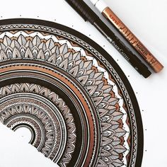 Close up :) #mandala madness #murderandrose - GOLD & BLACK - Answering any art related Questions here so ask away if you have any Questions. 👇💕
