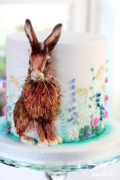 Edible wildflower meadow cake decorating tutorial by Lindy Spring hare cake by cake designer Lindy Smith Fancy Cakes, Cute Cakes, Pink Cakes, Gorgeous Cakes, Amazing Cakes, Amazing Birthday Cakes, One Tier Cake, Spring Cake, Animal Cakes