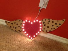 Heart with wings marquee. Love. Leopard. Fly. Wood by duvdesigns
