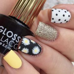 Yellow, polka dots, glitter and sunflowers. Love this nail art design. Fabulous Nails, Perfect Nails, Hot Nails, Swag Nails, Sunflower Nails, Daisy Nails, Girls Nails, Best Acrylic Nails, Dream Nails