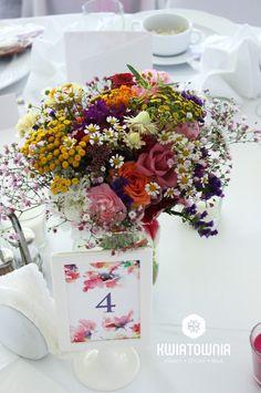 #kwiatownia #kwiaty  #car #decor #decoration #weeding #flowers #bouquet #bridal #bride #bridesmaid #wreath # flowerdesign #weedingday #art #instaflowers #instagood #facebook #natural #love #kompozycja #tabledeco #table #art #handmade #interior #design #home #homdecor