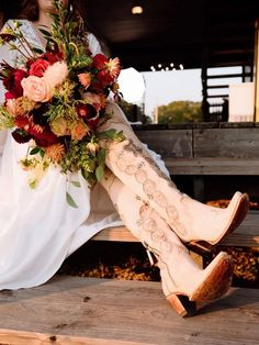 Country singer Kaitlin Butts got married to Flatland Cavalry frontman Cleto Cordero last October, and their wedding was a cowgirl's dream. Junk Gypsy's Wander Inn made the perfect setting for their big day. Check out these highlights from their wedding! Cowgirl Wedding, Wedding Boots, Our Wedding Day, Fall Wedding, Got Married, Getting Married, Country Singers, How Beautiful, Girly Outfits