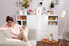 Sestavit si úložné prostory podle svých potřeb můžete díky modulárnímu nábytku. Na výběr tři varianty, například modul s dvířky, bez úchytek (otevírá se stiskem jednoho bodu), rozměry 40 x 60 x 40 cm, cena 799 Kč Bean Bag Chair, Gallery Wall, Furniture, Home Decor, Luxury, Decoration Home, Room Decor, Beanbag Chair, Home Furnishings