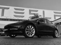 Представлен серийный образец Tesla Model 3    Основоположник и генеральный директор компании Tesla Элон Маск сдержал своё обещание выпустить 1-ый серийный образец электромобиля Tesla Model 3 на этой неделе. В субботу вечером он опубликовал в Твиттере две фото нового электромобиля.    Подробно: https://www.wht.by/news/tech-future/67254/?utm_source=pinterest&utm_medium=pinterest&utm_campaign=pinterest&utm_term=pinterest&utm_content=pinterest    #wht_by #tesla #tesla_model_3 #электромобиль…