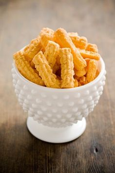 Bobby'™s Lighter Spicy Cheese Straws Recipe - Paula Deen Finger Food Appetizers, Yummy Appetizers, Yummy Snacks, Appetizer Recipes, Snack Recipes, Yummy Food, Finger Foods, Best Cheese Straw Recipe, Spicy Cheese Straws Recipe