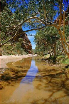 The Australian outback. Simpsons Gap near Alice Springs.