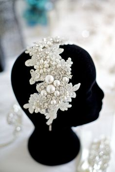 Lace bridal headband, Lace with pearls headpiece, Lace side tiara, Pearl and Rhinestone bridal headband, Vintage lace wedding side headband