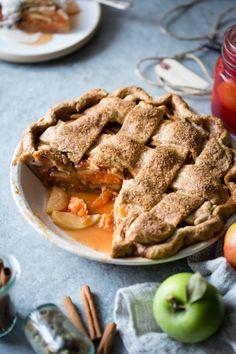 Apple Quince Lattice Pie {gluten-free}Follow for recipesGet your  Mein Blog: Alles rund um Genuss & Geschmack  Kochen Backen Braten Vorspeisen Mains & Desserts!