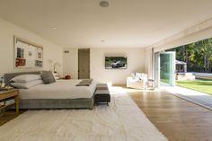 Bedroom in Beverly Hills, CA by Trip Haenisch & Associates