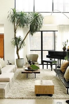 An Resort-Style Dream Home in Makati Living Room Sets, Home Living Room, Living Room Decor, Apartment Living, Living Area, Modern Asian, Modern Tropical, Tropical Style, Modern Coastal