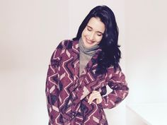 Thrift a funky blanket and transform it into a gorgeous cardigan with this easy tute from B. Blue DIY: Got a groovy refashion to share? How about a funky upcycled accessory or decor tutorial? An am…