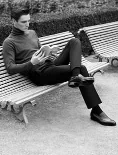 a slim fit turtle neck with nicely tailored pants - classic. se7en shades of Rafe