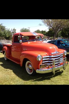 Vintage Pickup Trucks, Classic Pickup Trucks, Antique Trucks, Mini Trucks, Gm Trucks, Cool Trucks, 54 Chevy Truck, Chevrolet Trucks, Chevrolet 3100