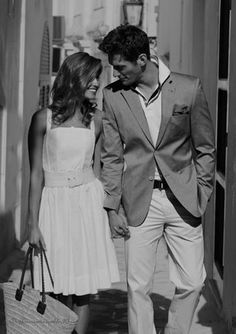 Black and white! Dark Photography, Couple Photography, Black And White Photography, Vintage Engagement Photos, Vintage Couples, Classy Couple, Elegant Couple, Romantic Photos, Romantic Couples