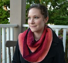 Gradient Cowl by Samantha Kirby  http://www.ravelry.com/patterns/library/gradient-cowl