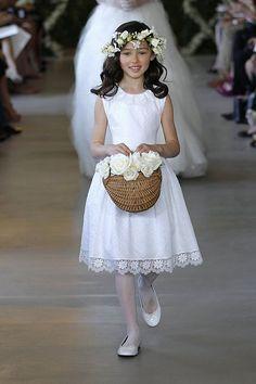 Oscar de la Renta Flower Girls Make Their Runway Debut! Childrens Bridesmaid Dresses, Junior Bridesmaid Dresses, Junior Dresses, Girls Dresses, Flower Girls, Flower Girl Dresses, Dress Girl, Wedding Dress 2013, Wedding Gowns