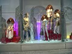 Window display / wigs